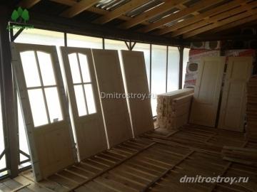 Двери деревянные для дома